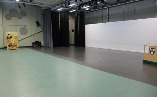 Regular_south_craven_large_theatre_th