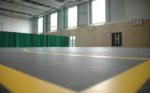Regular_sports_hall_01