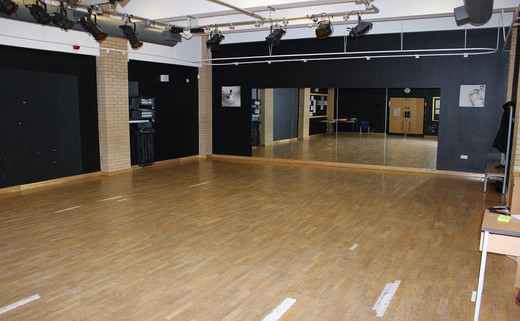 Regular_aylward_dance_studio_th_2