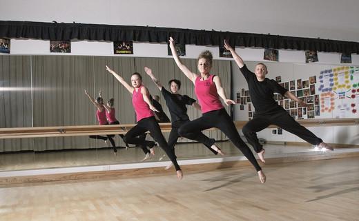 Regular_facilities_dance_th