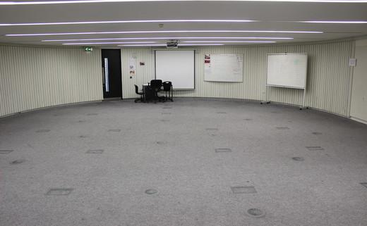Regular_langley_seminar_or_drama_room_pic_1_th