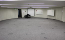 Thumb_langley_seminar_or_drama_room_pic_1_th