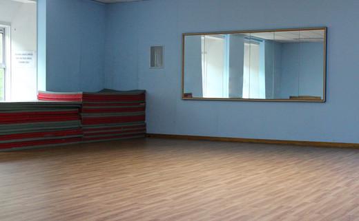 Regular_putteridge_dance_studio_0_th