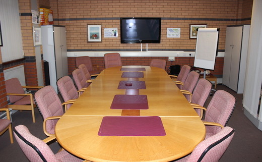 Regular_standish_boardroom_3