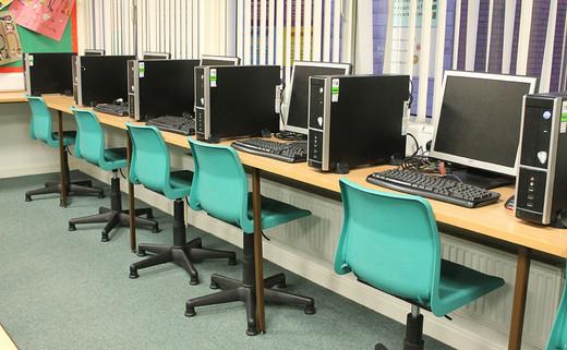 Regular_brownedge_classroomsimg_3008_thumb_