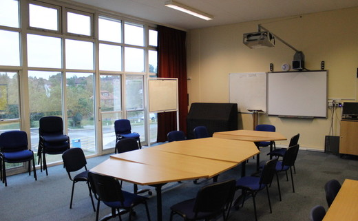 Regular_amersham_meeting_room_th