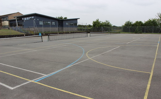 Regular_amersham_tarmac_muga_th