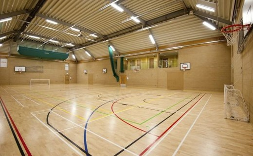 Regular_crossley_heath_sports_hall_1