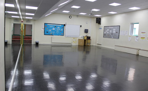 Regular_parkside_dance_studio3_th