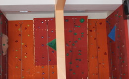 Thumb_thornleigh_-_climbing_wall_th