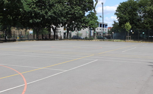 Regular_haggerston_netball_courts_th