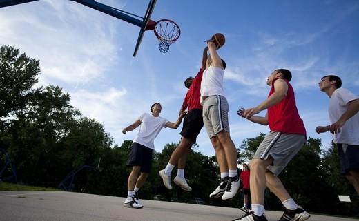 Regular_outdoor_basketball