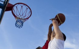 Thumb_outdoor_basketball_2