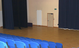 Thumb_barnsley_-_main_hall_3_th