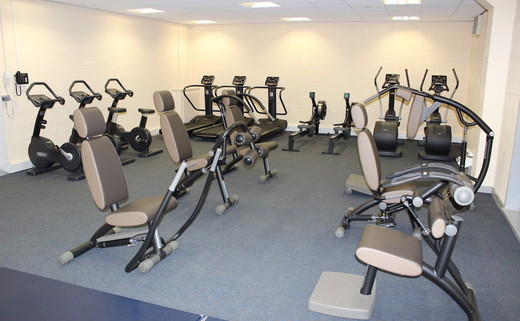 Regular_amersham_fitness_suite_76_th