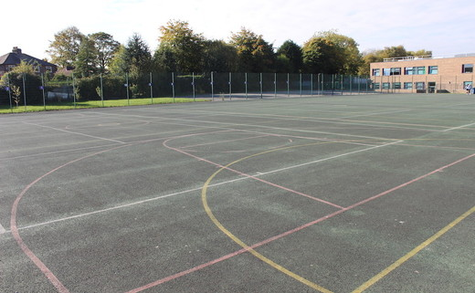 Regular_delasalle_tarmac_muga_30_th