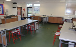 Thumb_sir_tom_classroom_th