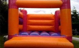 Thumb_adult_bouncy_castle