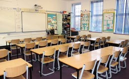 Thumb_sutton_-_classroom_th