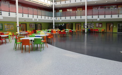 Regular_freebrough_atrium_large_th