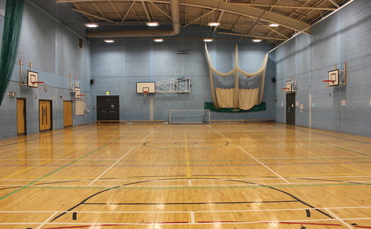 Regular_freebrough_sports_hall_2_th