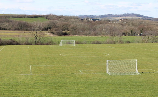 Regular_freebrough_grass_pitches_4_th