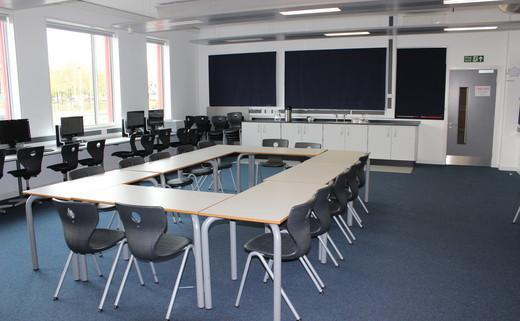 Regular_oasis_media_-_training_room_th