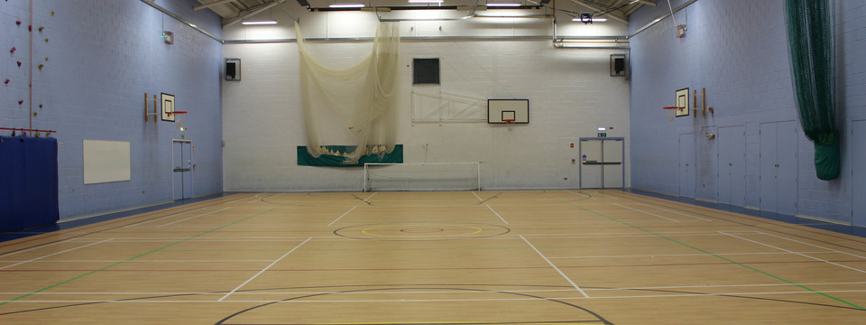 Regular_whitworth_-_sports_hall_2_sl