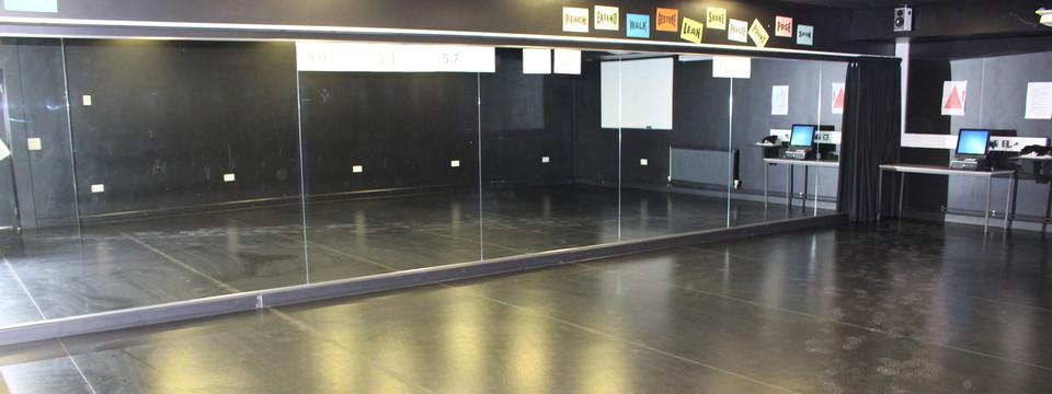 Regular_boroughbridge_-_dance_studio_1_slides