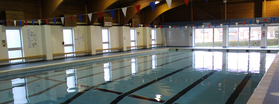 Regular_abbotts_bromley_-_swimming_pool_4