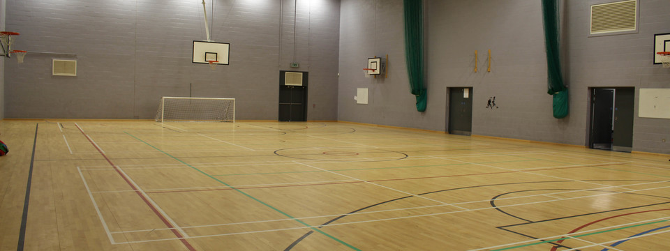 Regular_northumberland_-_sports_hall_2