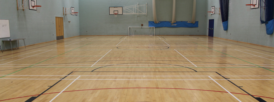 Regular_horbury_-_sports_hall_1_sl