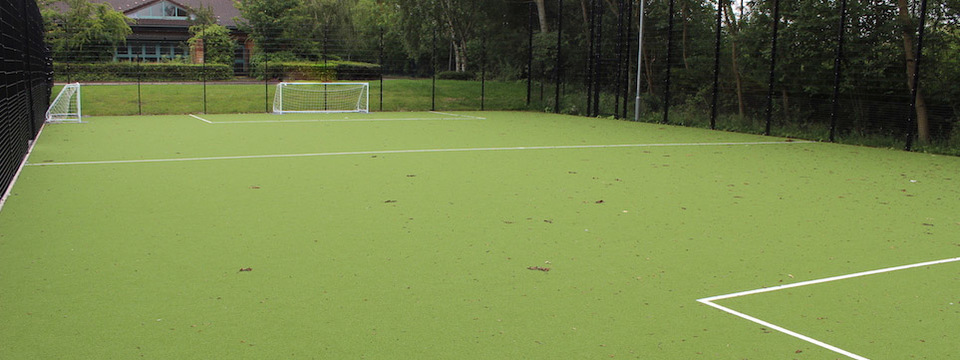 Regular_astro_turf_pitch_1_sl
