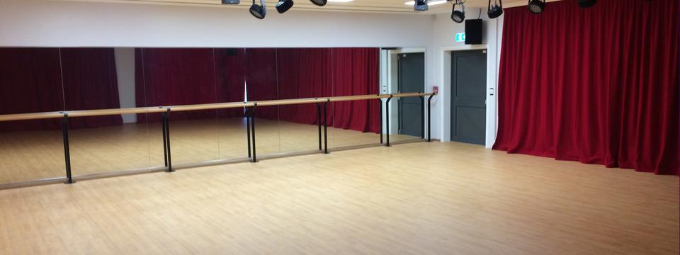 Regular_nh_dance_studio_sl