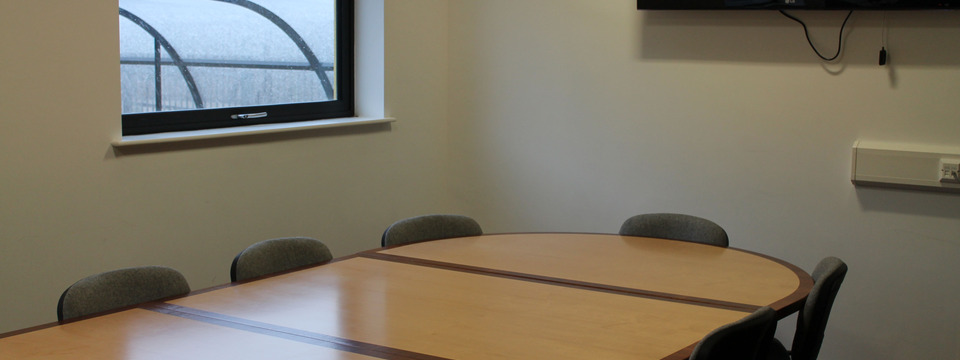 Regular_conference_room_1920x720