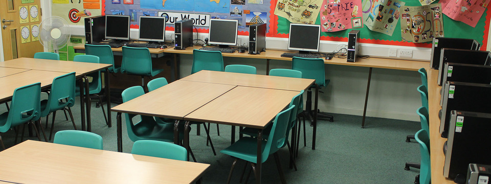 Regular_brownedge_classroomsimg_3009_slide