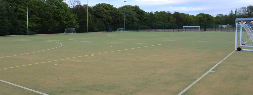 Regular_parklands_floodlit_astroturf_sl