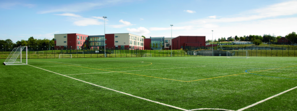 Regular_sheffield_park_football_pitch_sl