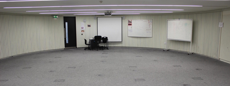 Regular_langley_seminar_or_drama_room_pic_1_sl