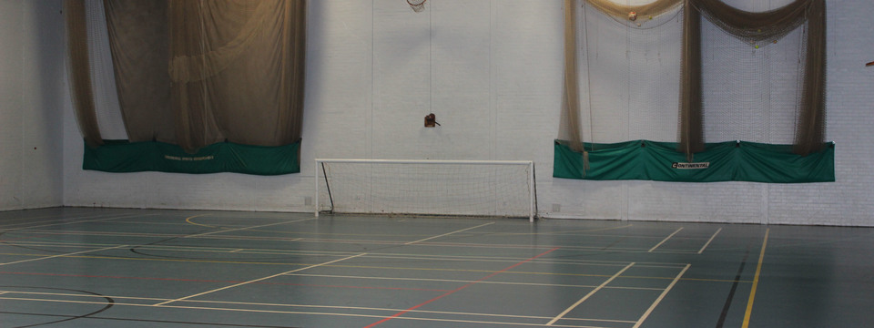 Regular_thornaby_sports_hall_1