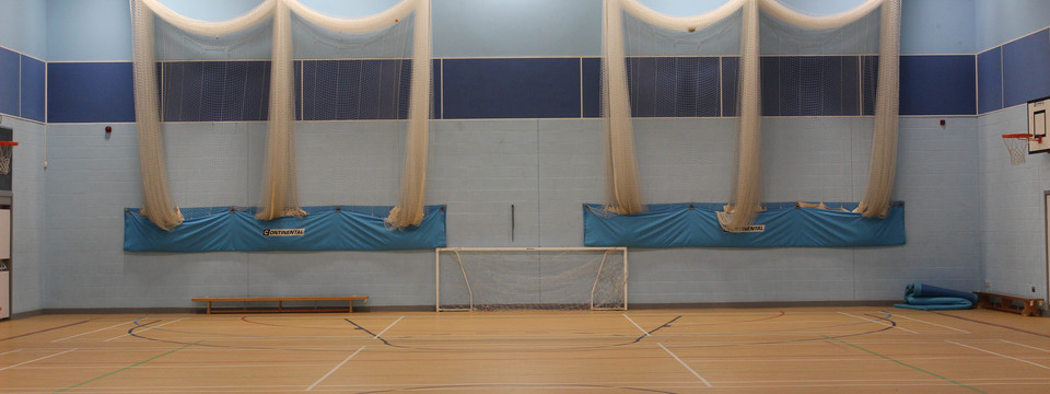 Regular_lord_lawson_-_sports_hall_sl